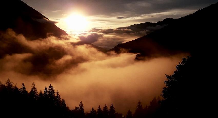 Sonnenaufgang bei der Ganalm - von Gnadenwald kommst du da hin, Foto: Hermann