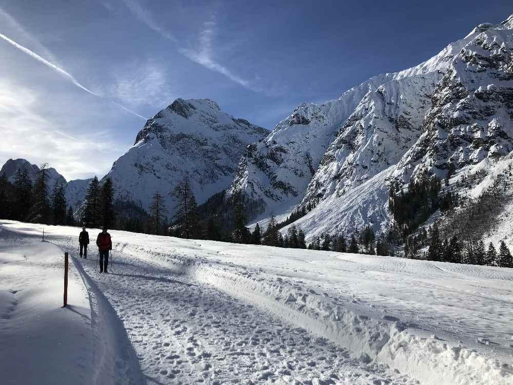 Das ist der Weg zum Winterwandern im Karwendeltal am Achensee