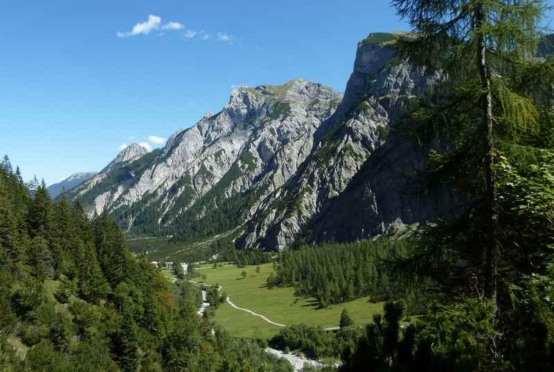 Im Falzthurntal wandern bei der Gramaialm im Karwendel