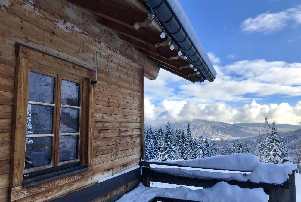 Das Ziel der Winterwanderung: Die Hämmermoosalm im Wettersteingebirge