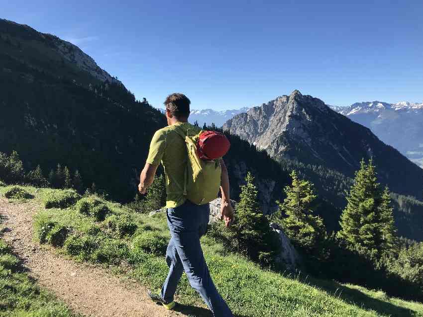... abwechselnd mit diesem Ausblick auf die Berge
