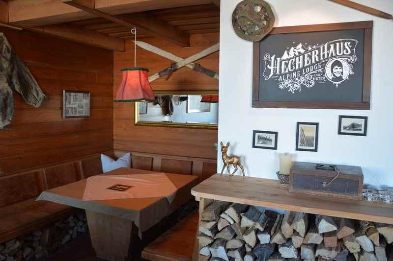 Das Hecherhaus, Hütte in den Tuxer Alpen oberhalb von Schwaz