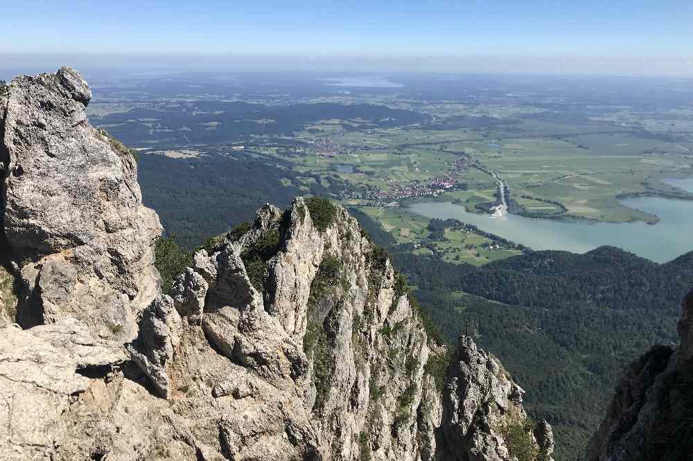 Das ist der Blick vom Grat zwischen Heimgarten und Herzogstand