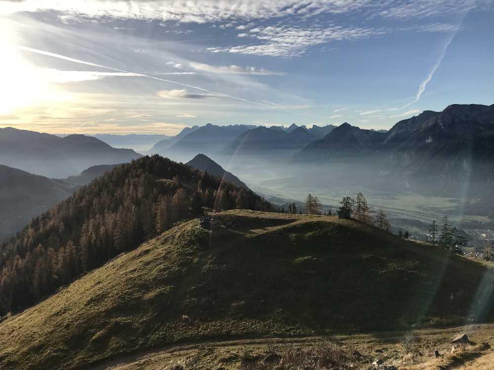 Im Herbst ist das Wandern in Alpbach mit der klaren Luft besonders aussichtsreich