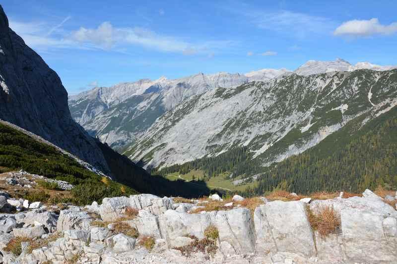 Das Hinterautal von oben aus dem Bereich des Lafatscherjoch im Karwendel
