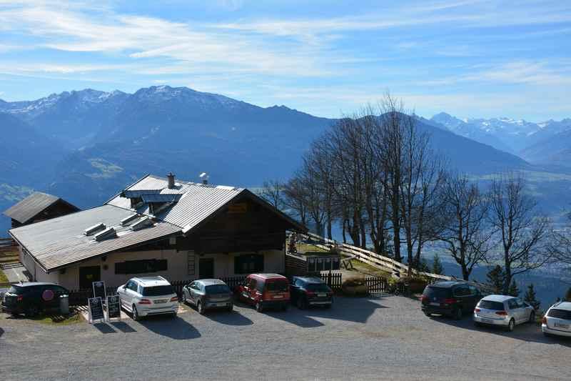 Mit dem Auto direkt zur Hinterhornalm, einer Karwendel Hütte