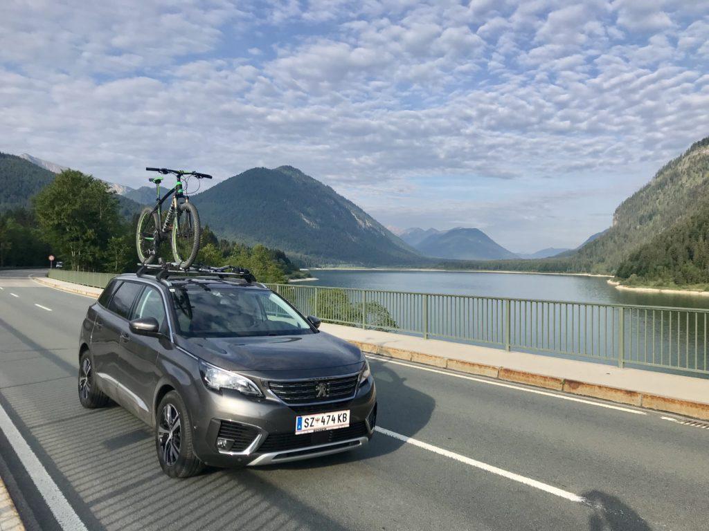 Hinterriß Anfahrt - über den Sylvensteinsee