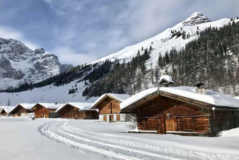 Die verschneite Engalm ist das Ziel der Karwendelloipe