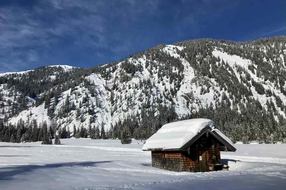 Hinterriss Skitour: Bilderbuchlandschaft im Rohntalboden vor der Rohntalalm im Karwendel