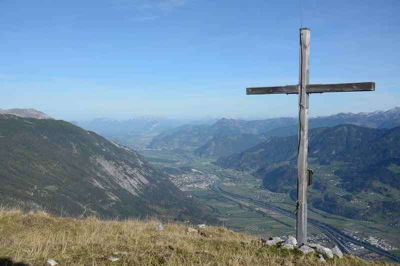 Am Ende der Hirschkopf Wanderung im Karwendel steht dieser Ausblick über das Inntal