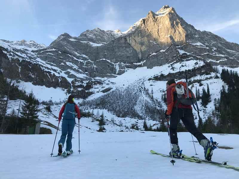 Start der Hochglück Skitour in der Eng am Ahornboden