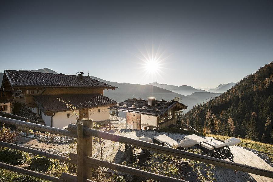 Hochzeit in den Bergen feiern - hier geht´s auf der Alm! Foto: Johannes Sautner