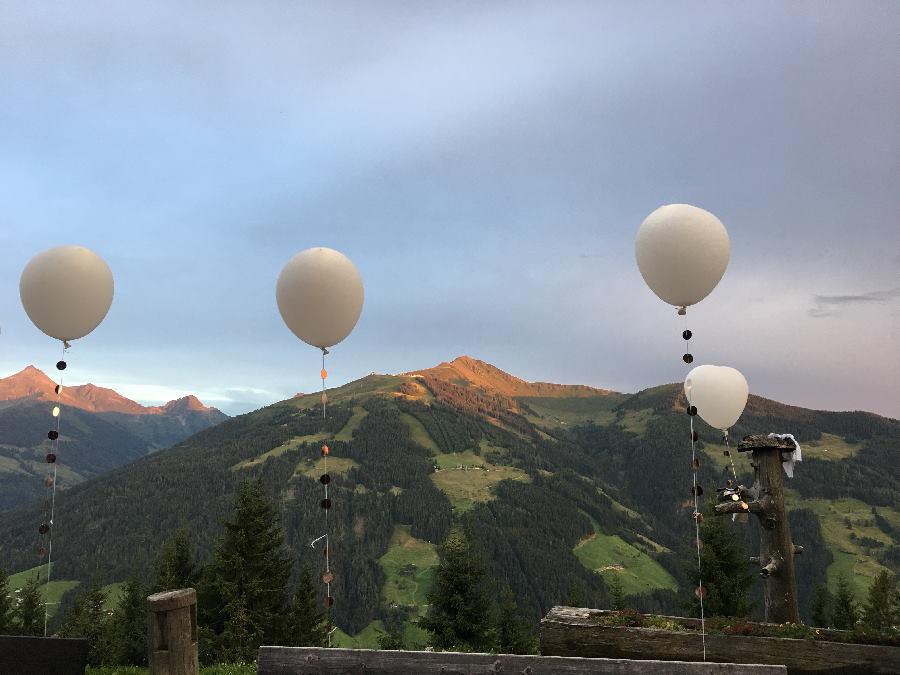 Planst du deine Hochzeit in den Bergen? Dann lies diesen Beitrag. Foto: Resi Kostenzer