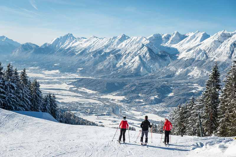 Der Hüttegglift in Weerberg lockt mit dieser Sicht auf das Inntal und das Karwendel in Tirol