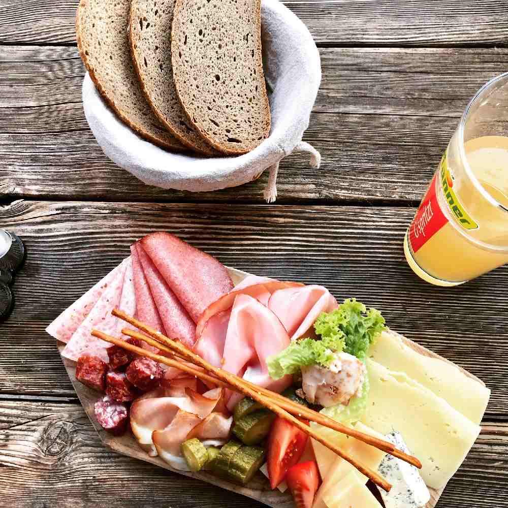 Gut essen und trinken auf den Hütten und Almen im Karwendelgebirge