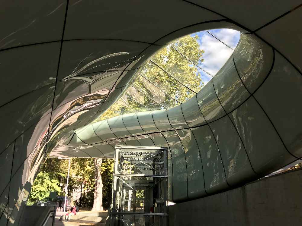 So stylisch sind die Stationen der Hungerburgbahn in Innsbruck