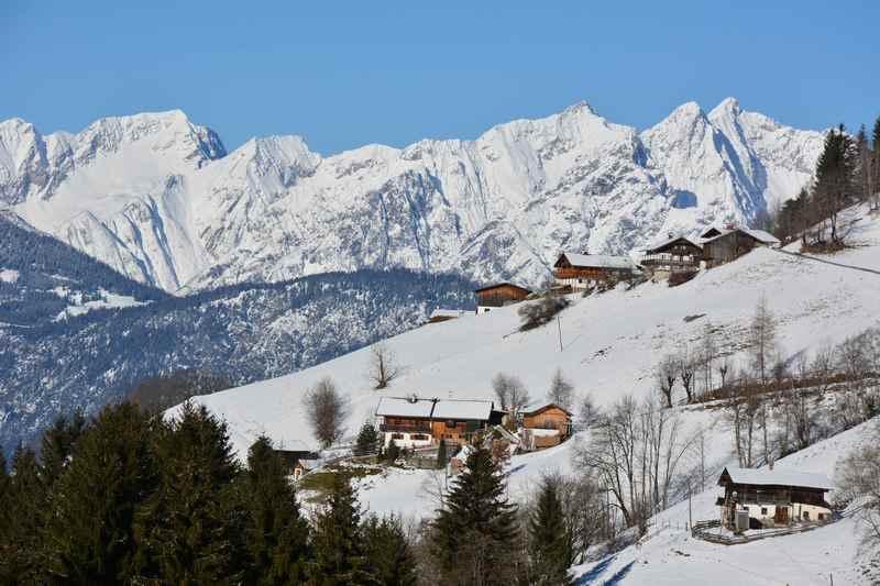 Innerst im Winter - der Start zum Rodeln und Skitouren in den Tuxer Alpen