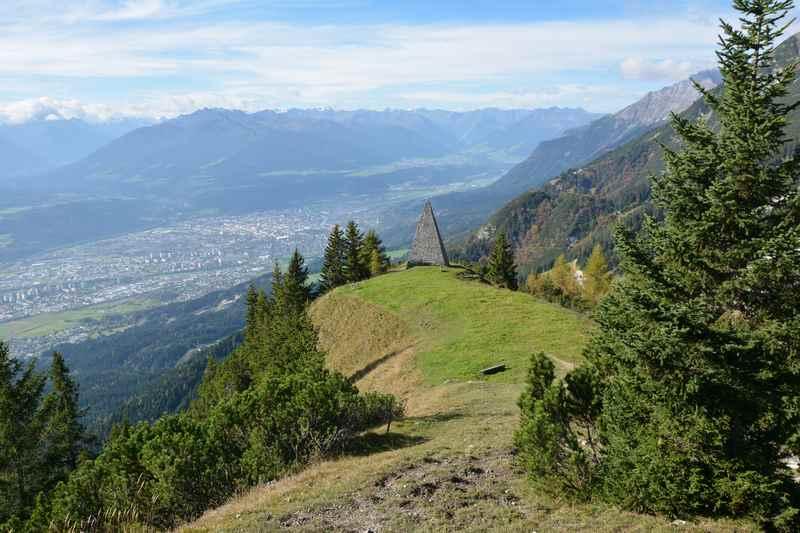 Von der Kaisersäule auf der Nordkette hat man einen guten Ausblick über Innsbruck