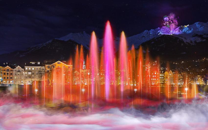 Silvester Innsbruck: Diese Lichtshow wird neu aufgeführt, Foto: Innsbruck Tourismus_iStock_Alexey Pnferov_mputsylo_PorFang_
