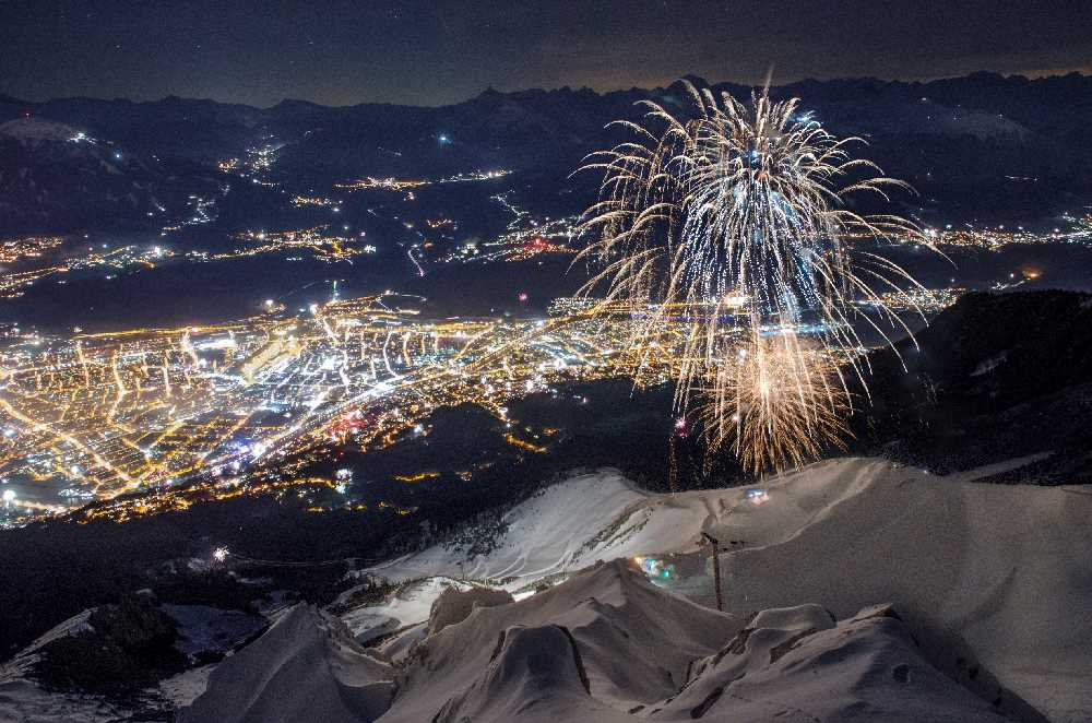 Silvester in Innsbruck - du kannst hier oben am Berg stehen und das Feuerwerk bestaunen, Foto: Nordkette