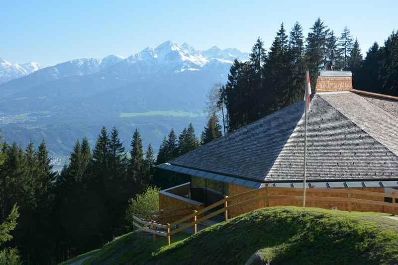 Von Innsbruck auf die Umbrüggler Alm wandern und die Aussicht geniessen