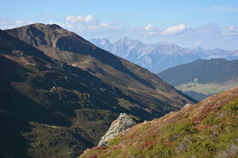 Die typische Landschaft auf der Inntaler Höhenweg Hüttenwanderung