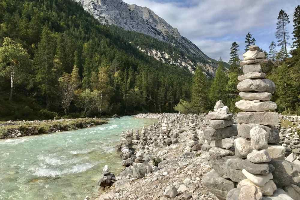 So schön türkis ist die Isar - ein toller Bergfluß!