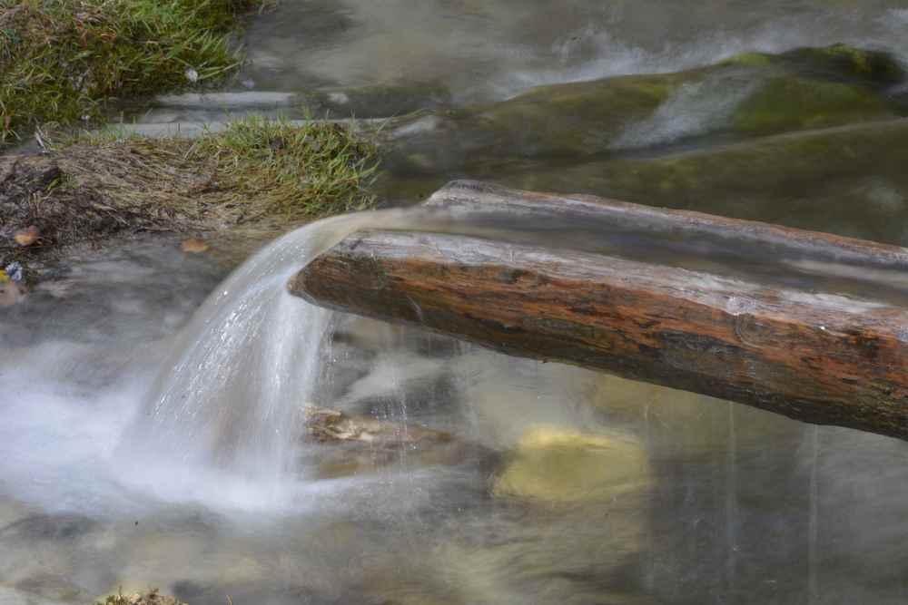 Das Wasser am Isarursprung ist rechtsdrehend und 4-6 Grad frisch