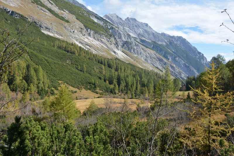 Ein schöner Ort im Halltal: Der Issanger, weit oben im Halltal, noch oberhalb der Herrenhäuser im Karwendel