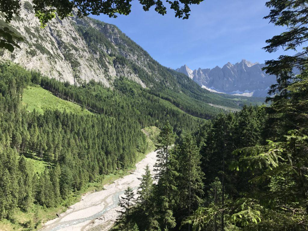 Schönes Seitental vom Risstal: Das Johannistal mit den Laliderer Spitzen