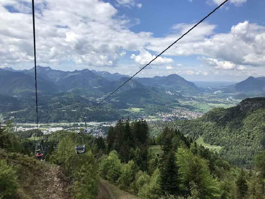 Das ist die Aussicht bei der Auffahrt mit dem Kaiserlift Kufstein in den Kaiser