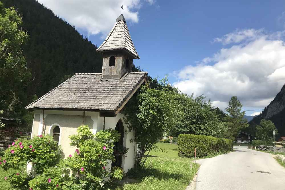 19 Kapellen gibt es in der Leutasch, das ist eine davon direkt am Rückweg der E-Biketour