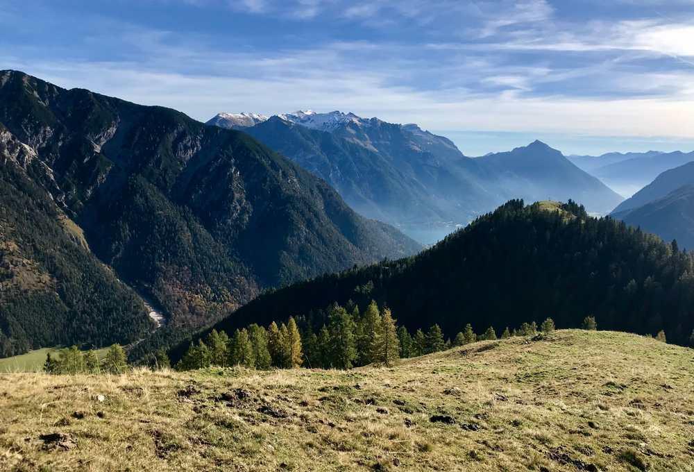 Das war eine traumhafte Herbstwanderung, mit der klaren Sicht auf Karwendel und Rofan