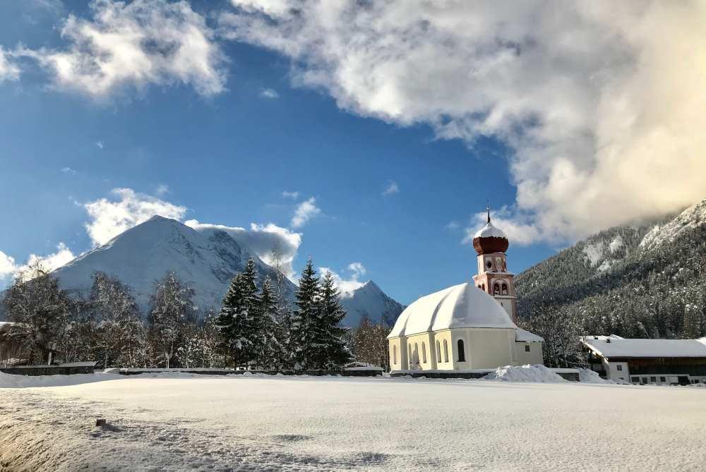 Karwendel Winter auf der Loipe in Leutasch, Seefeld