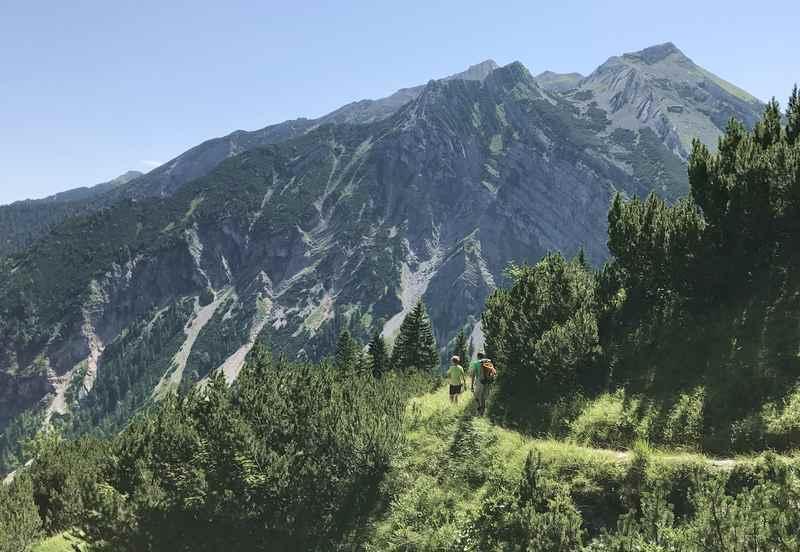 Auf dem Weg zur Schöttelkarspitze: Der Lakaiensteig ist ein toller Wanderweg im Karwendel