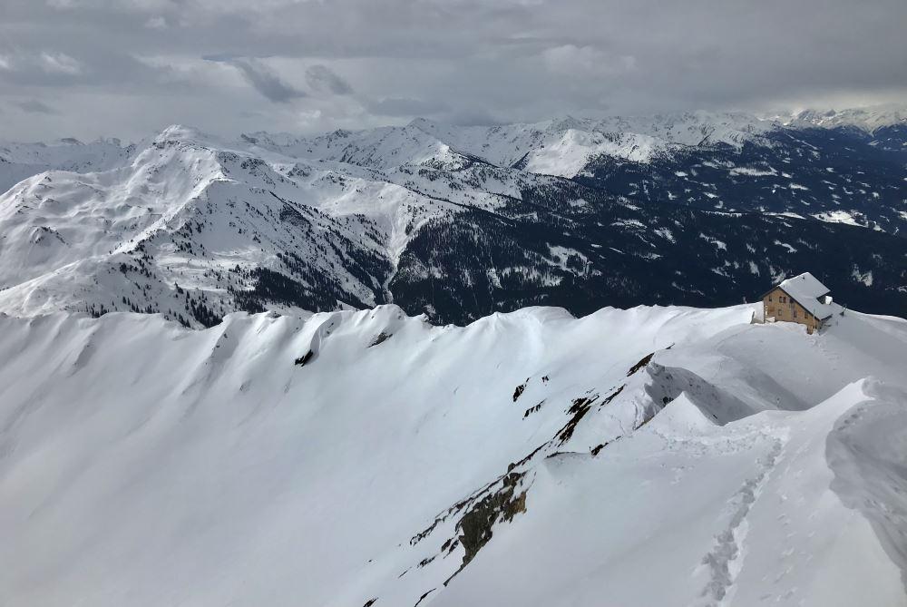 Ein Teil des Ausblicks auf der Kellerjoch Skitour bei der Kellerjochhütte