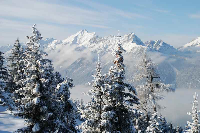 Am Kellerjoch rodeln mit Lift - mit diesem Ausblick auf das Karwendel