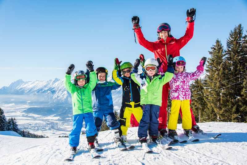 Hier gehen die Kinder gerne in den Kinderskikurs - die Silberregion Karwendel in Tirol