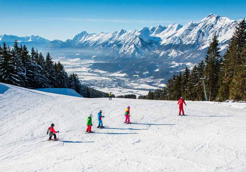 Skiurlaub mit Kindern: Bei diesem Panorama in Weerberg macht das Skifahren im Winterurlaub mit Kindern richtig Spaß - Skiurlaub wie er sein sollte, ohne Streß!