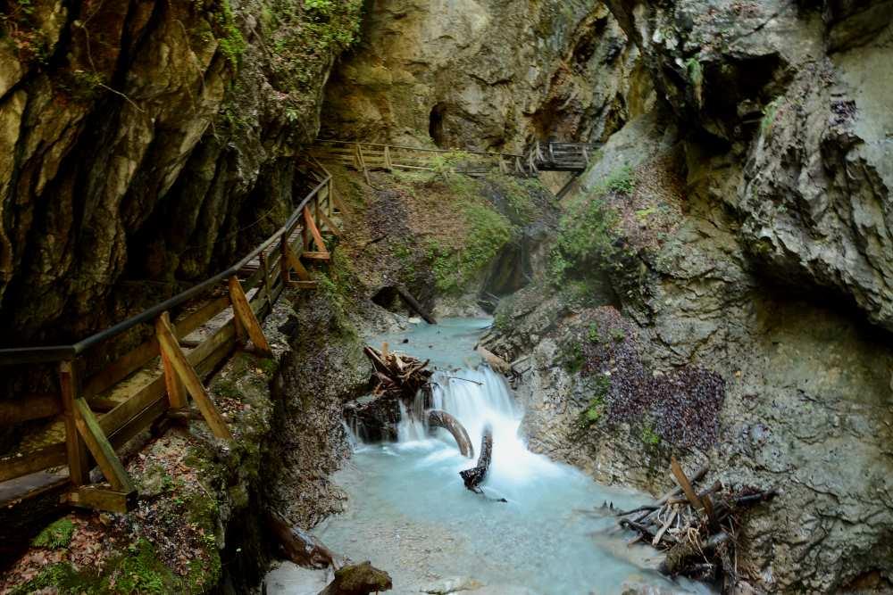 Klammwanderungen: Wunderbare Wanderung von Mai bis Oktober durch die Wolfsklamm in Stans