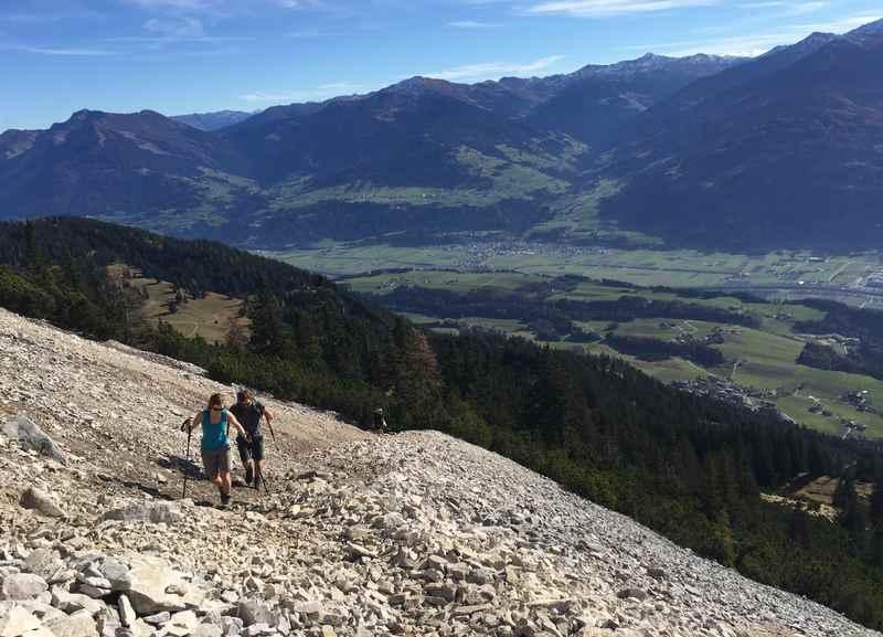 Auf dem Klettersteig über dem Inntal wandern - der Weg zum Hundskopf im Karwendel