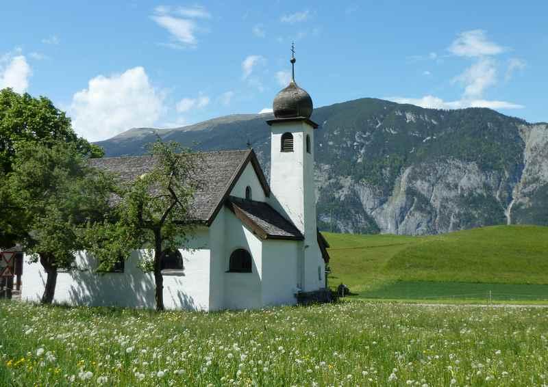 Von Schwaz nach Koglmoos mountainbiken: Bei der Kirche in Gallzein