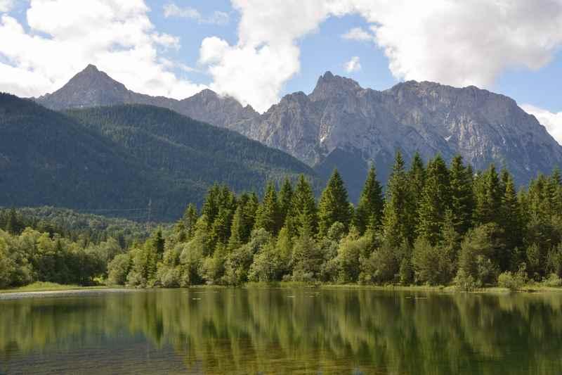 Und das ist dann der Isarstausee mit dem Karwendel