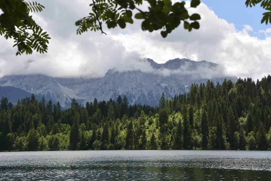 Krün wandern - mit Blick auf See und Berge