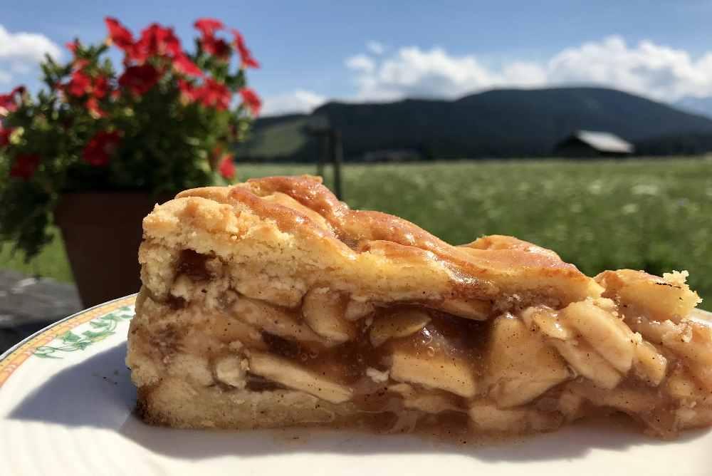 ... und so schön saftig ist der Apfelkuchen.