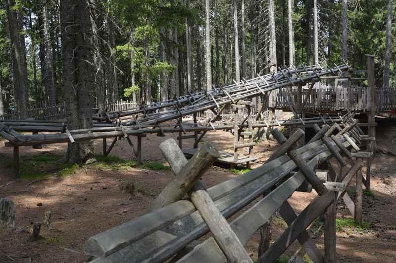 Meterlang ist die Kugelbahn beim Ausflug in Tirol mit Kindern