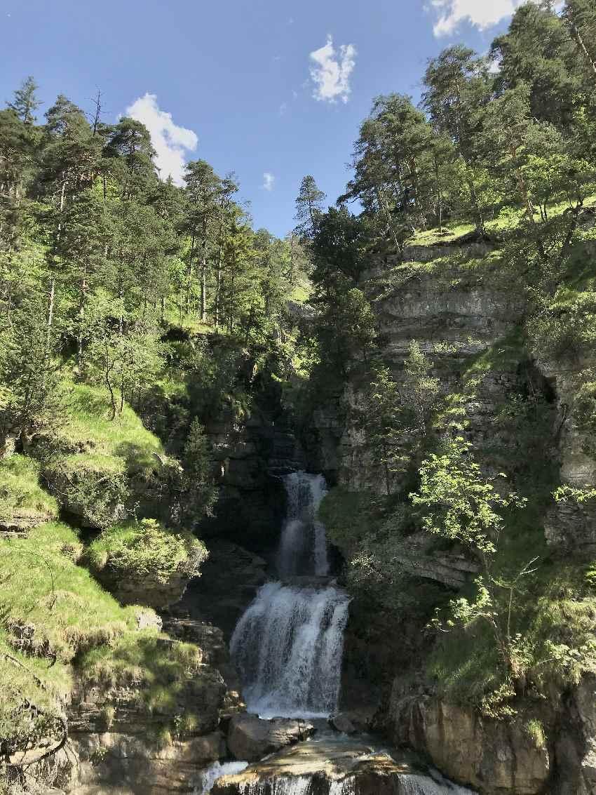 Traumplätze der Alpen - die riesigen Wasserfälle im Estergebirge