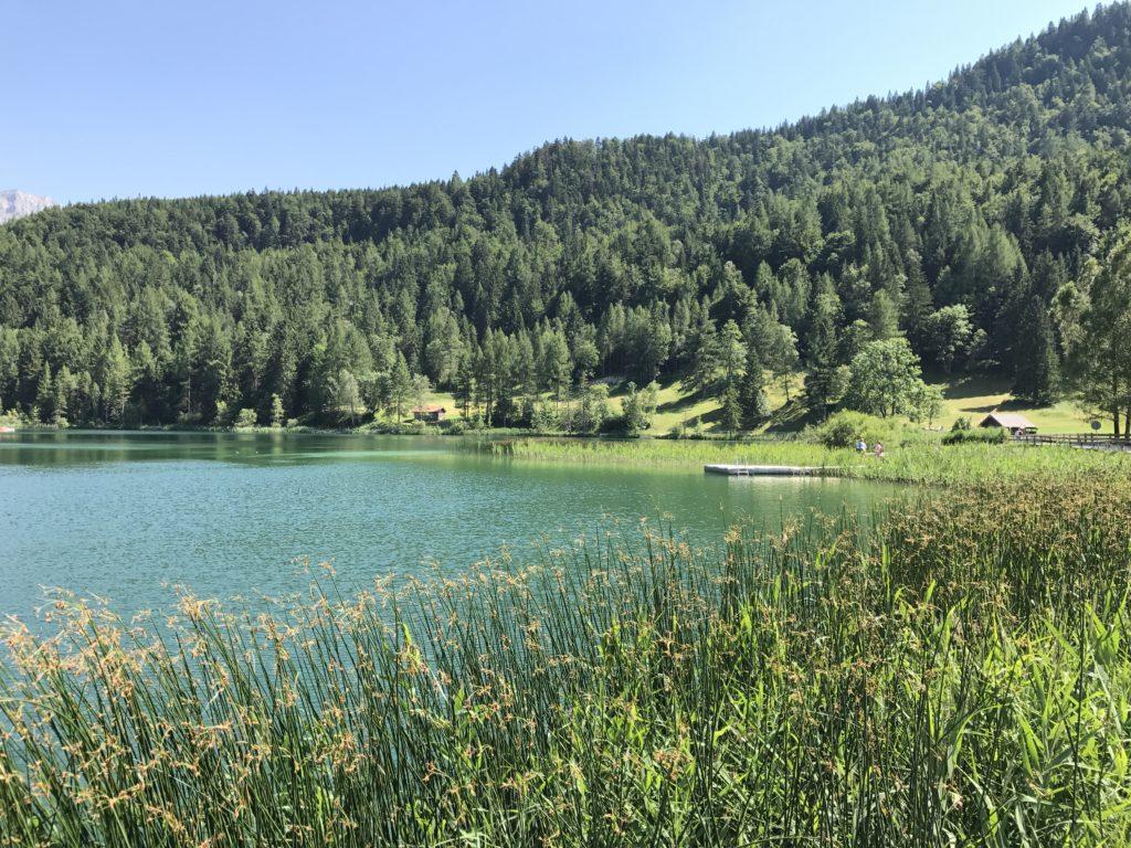Lautersee Mittenwald: Bergsee zum Baden im Sommer
