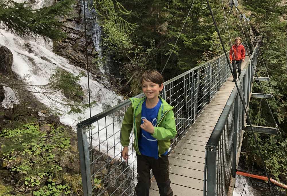 Macht Spaß mit Kindern: Der Lehner Wasserfall, toller Wasserfall in Tirol