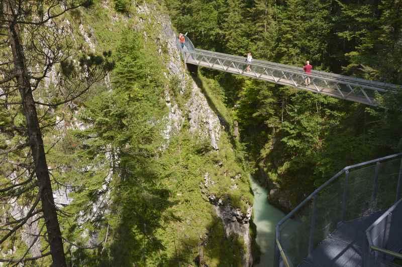 Das ist eine der beiden Brücken in der Leutaschklamm, Wanderung ab Mittenwald